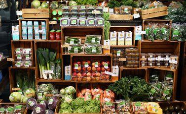 أغذية  أطعمة  فواكه  خضروات- جيتي