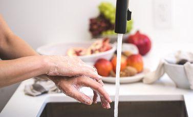 غسل يدين - cc0
