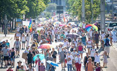 مظاهرة في المانيا ألمانيا ضد اجراءات الاغلاق كورونا جيتي