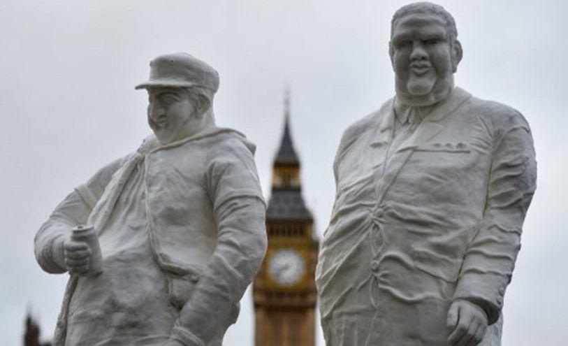 السمنة البدانة- تماثيل من السكر أمام برلمان بريطانيا ديسمبر 2015 للتذكير بخطر السكر على الصحة- أ ف ب